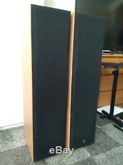 2x JBL Floor standing speakers ES90 Northbridge