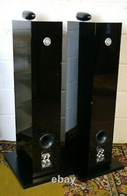 B&W (Bowers & Wilkins) CM10 Floorstanding Speakers in Black Preowned