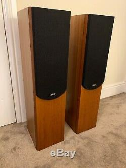 B&W P4 Bowers and Wilkins Floor Standing Speaker System