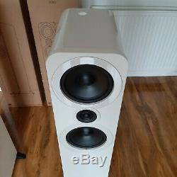 Beautiful White Gloss Q Acoustics 3050 Floorstanding Speakers
