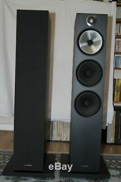 Bowers and Wilkins (B&W) 603 Black Floor Standing Speakers Only 12 Months Old