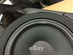 Cambridge Audio AeroMax 6 Floorstanding Speakers Gloss Black New, Minor damage