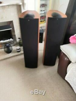 KEF Q7. 3-Way Floorstanding Speakers. Dark Apple finish good condition