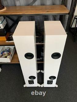 KEF R7 Floorstanding Speakers Gloss White, Open Box