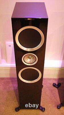 KEF R900 Floorstanding Speakers in Gloss Black Preowned