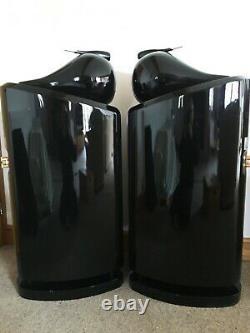 OATLAN M10 Floor Standing Speakers Bowers Wilkins Nautilus Style Gloss Black