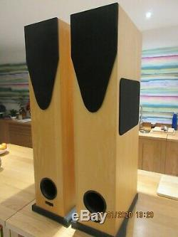 Rega R5 floor standing Speakers Birch colour