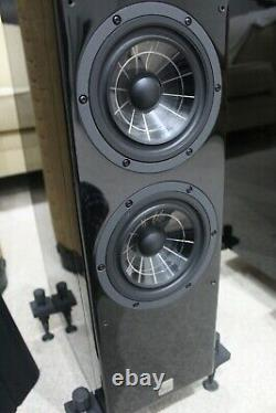 Vienna Acoustics Beethoven Baby Grand Floor standing stereo speakers
