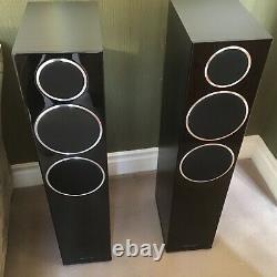 Wharfedale Diamond 230 Floor Standing Speakers In Black And Silver Detail