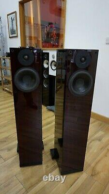 Wilson Benesch Square 2 speakers in rosewood. Boxed