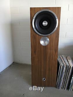 Zu Audio Omen MKII Floorstanding Speakers Pair, Walnut finish